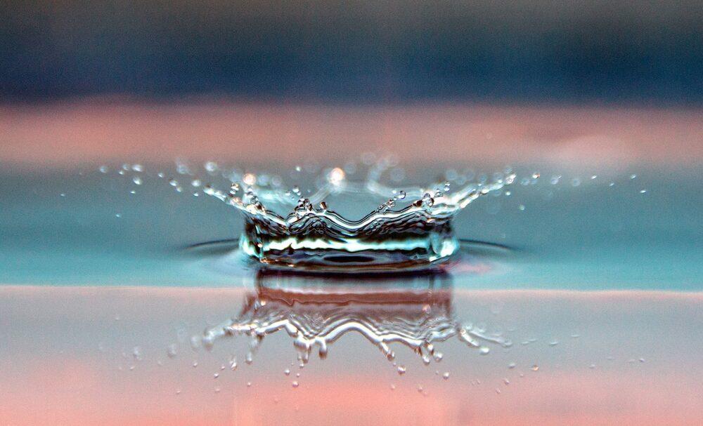 Gota D'água reflexo com imagem macro