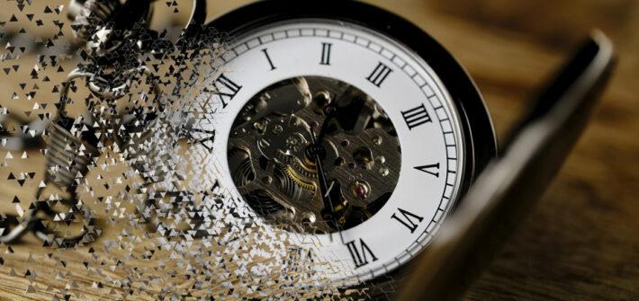 Relógio de bolso se desintegrando